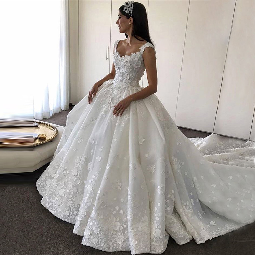 Gorgeous Applique Ball Gown Puffy Beaded Applique Luxury Cathedral Train Wedding Party Dress Robe De Mariage