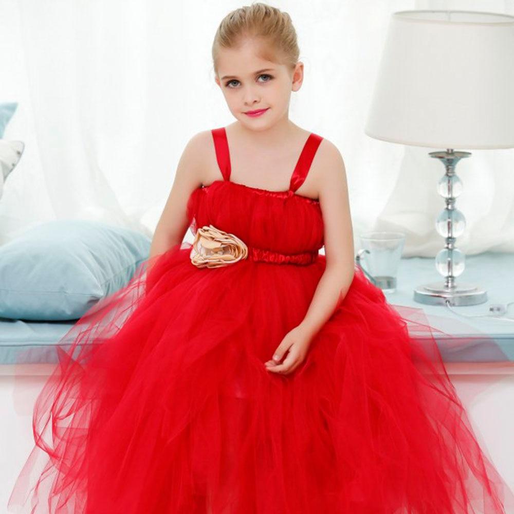 Wunderbar Beiläufige Kleider Des Zu Einer Hochzeit Tragen ...