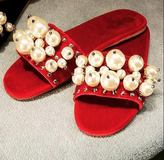 ФОТО 2017 hot selling velvet flat shoes big red sexy slippers for woman open toe white pearl bead vintage shoes summer flat sandal