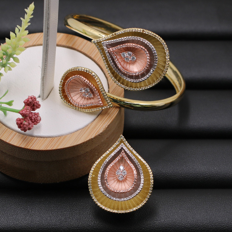 Lanyika Jewelry Set Hot Sale Water Drop Bangle with Ring for Banquet Wedding Micro Inlay Popular Luxury Best GiftsLanyika Jewelry Set Hot Sale Water Drop Bangle with Ring for Banquet Wedding Micro Inlay Popular Luxury Best Gifts
