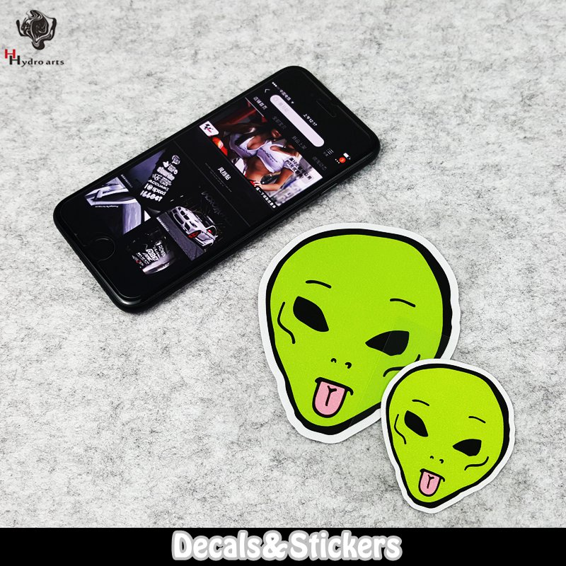 NO.LN033 Green tongue-spitting alien 3M Material Reflective Stickers MOTO GP Car Sticker Decals Racing Stickers Motorcycle
