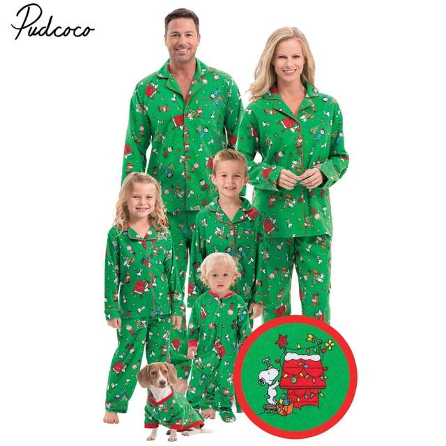 d9cebe16eb 2017 New Year Christmas Element Printing Family Matching Pajamas Set Adult  Papa Mama Kids Baby Sleepwear Set Pjs
