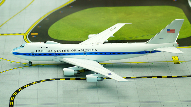 Inflight200 1: 200 Air Force E4 Air Command aircraft model Boeing 747-200 Alloy Collection Model