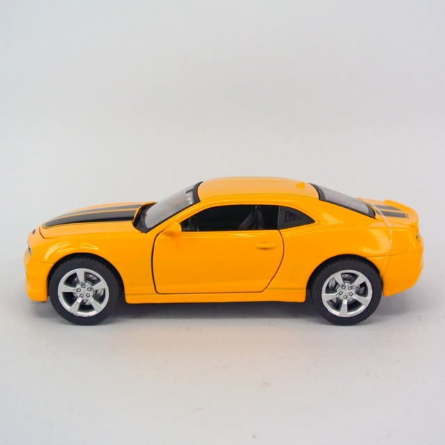 2016 Metal Musical Flashing Miniatura De Carro 1 32 Modelos Camaro