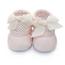 Горячий Продавать Младенческой Детская Обувь ИСКУССТВЕННАЯ Кожа Бантом Принцесса Обувь Малыша Скольжения на Prewalkers 0-18 М
