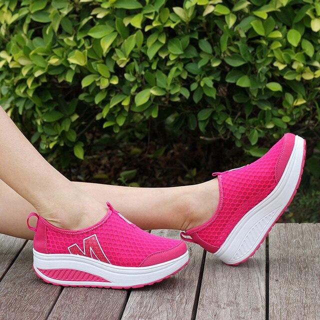 أحذية نسائية جديدة أحذية أنيقة غير رسمية المشي منصة الارتفاع زيادة النساء المتسكعون تنفس شبكة سوينغ أسافين حذاء A30716 5