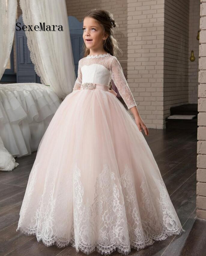 New Arrival Ball Gown 2018 Girls First Communion Dresses Appliques O-neck Lace Up Bow Sash Flower Girl Dresses Custom Made pageant dresses for girl butterfly o neck lace up bow sash sleeveless ball gown vestidos longo custom made first communion gown