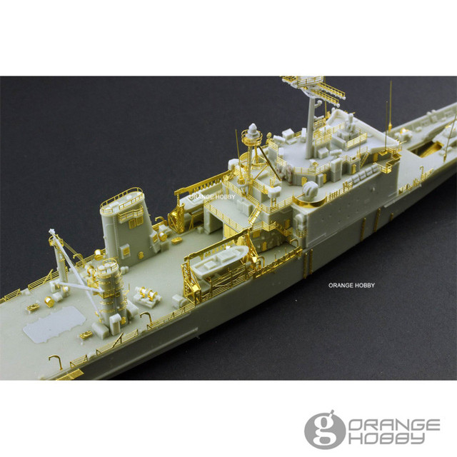 f64a1815d4c2 OHS OrangeHobby N07081 1 700 ROCS LST232 233 Newport Class Tank Landing  Ship Assembly Scale Military Ship Model Building Kits oh