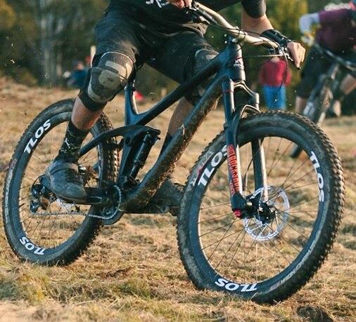 BTLOS carbon bicycle, carbon wheels