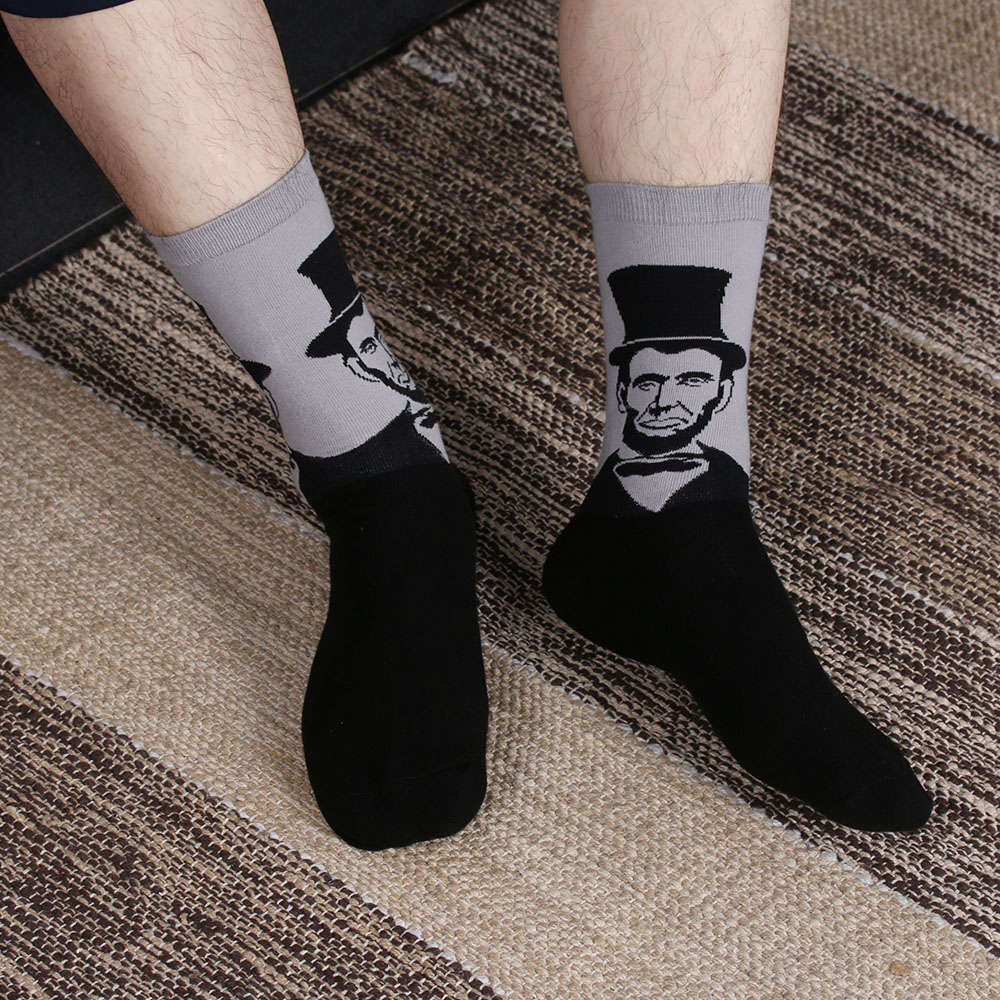 New Design 2017 Vintage Socks Unisex Funny Art Painting Cotton Crew Men Women Socks Long Ankle Socks 1 Pair