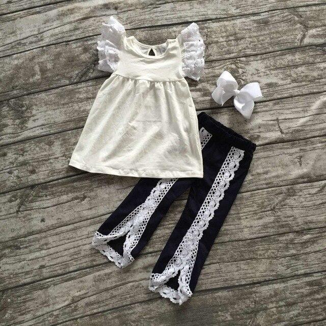 2016 Осень, лето, новый наряд новорожденных девочек одежда темно слоновой кости кружева оборками дети короткие бабочка рукавом брюки установить с соответствующими лук