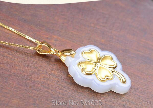 Pretty Natural HeTian Yu 100% Pure Solid 18 Gold Flower Leaf Lucky Amulet Pendant + Necklace + Certificate Fine Jewelry