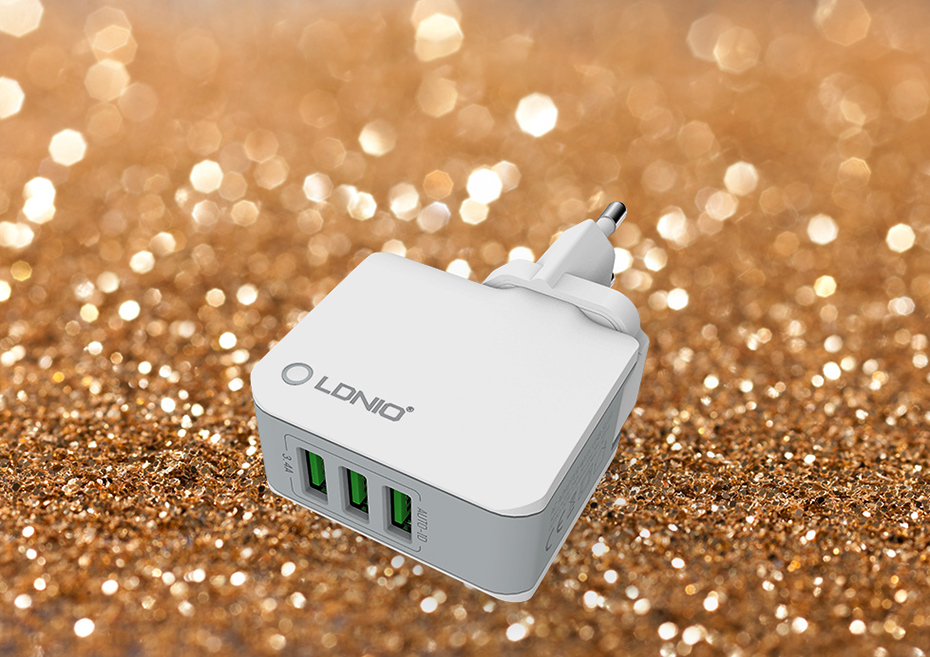 LDNIO TRAVEL CHARGER (1)
