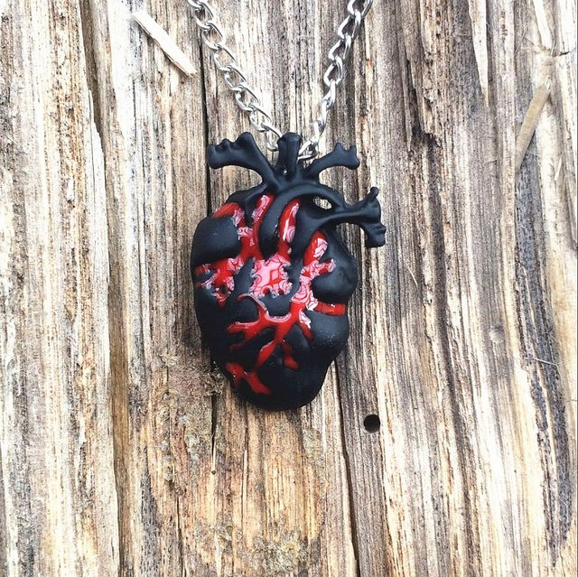 Online Shop 1pc Heart Anatomy Necklace Black Bloody Red Anatomical
