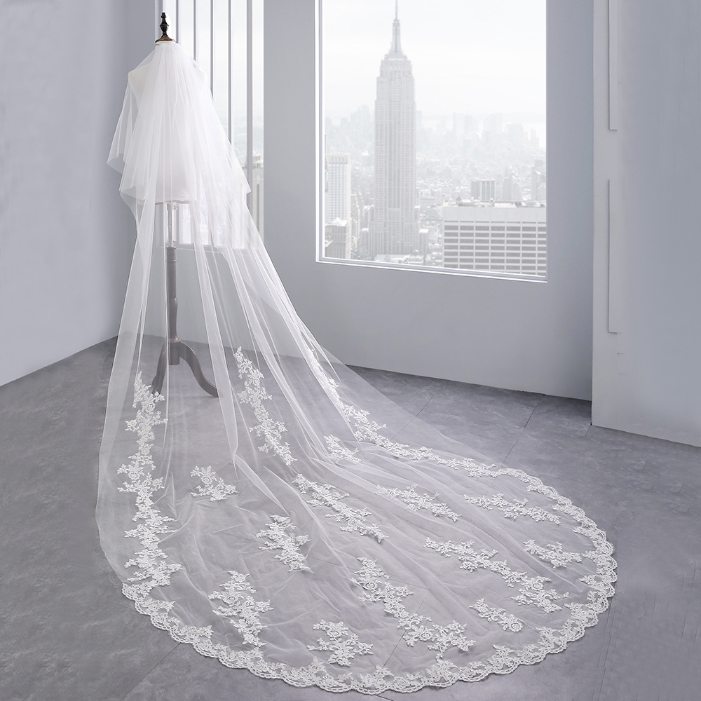 Купить с кэшбэком In Stock High Quality 3.5 meter Two Layers Luxury Long 2019 Wedding Veil Bridal Veils Lace Veil with Comb Wedding Accessories