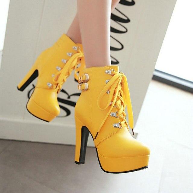 Kadın Kış Platformu Kare Yüksek Topuk yarım çizmeler Kadın Moda Dantel Kadar Yuvarlak Ayak Ayakkabı Siyah Sarı Beyaz Kahverengi