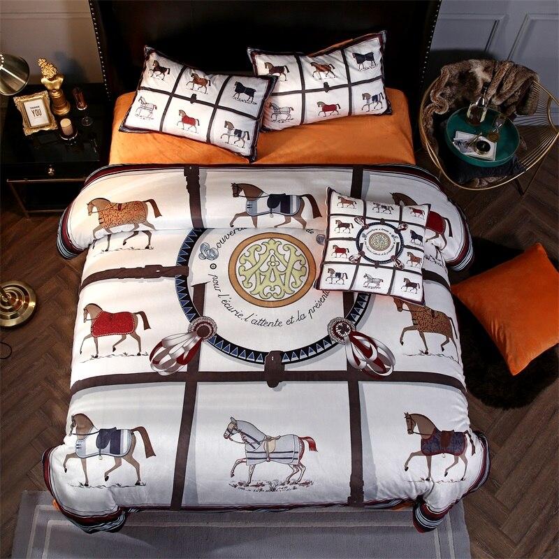 Luxo Inverno Grosso Tecido de Lã de Impressão Cavalo de Guerra Tribunal Europeu jogo de Cama de Flanela de Veludo capa de Edredão Fronhas lençol