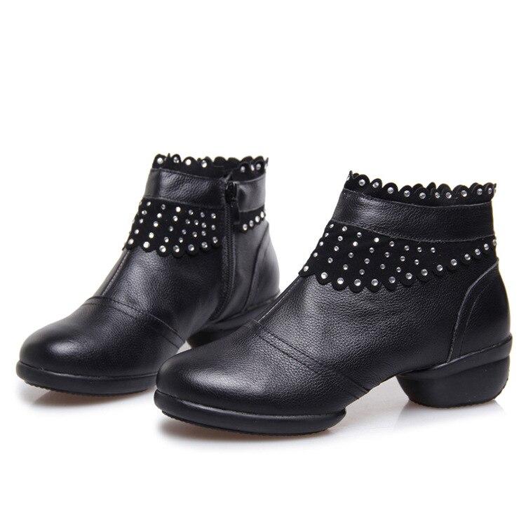 Otoño Invierno piel Zapatos de cuero señoras danza moderna Zapatos baile  Botas en Zapatillas de baile de Deportes y ocio en AliExpress.com  f8d5d38f42c9