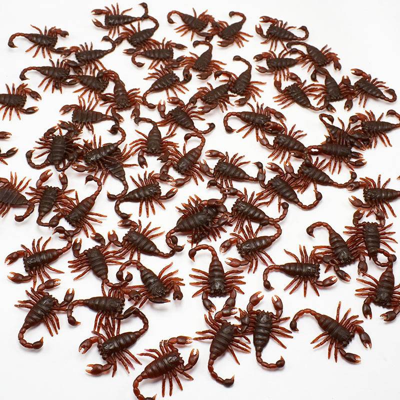 5pcs/lot April Fools' Day Persecute Others Simulation Scorpion Terror Worm Toys Nausea False Scorpion Frightening Prop Toys