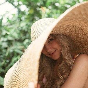 "Image 2 - 38 ซม./15 ""GIANT ขนาดใหญ่ฟางหมวกสำหรับหมวกผู้หญิงฤดูร้อนดวงอาทิตย์ Floppy งานแต่งงาน DERBY หมวกหมวกชายหาดวันหยุด Choice"