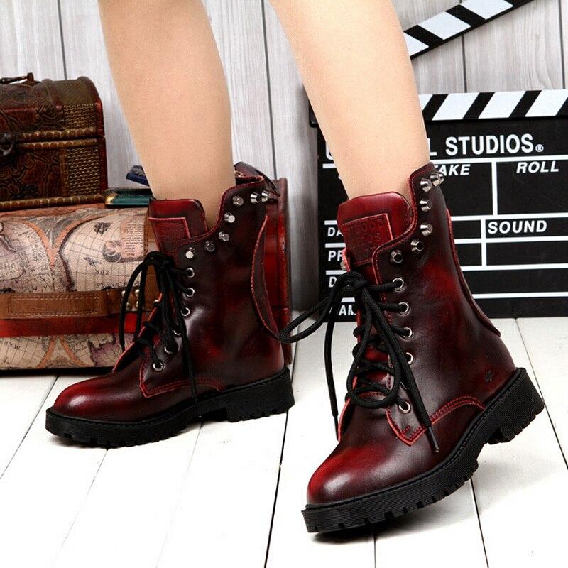 Moda caliente nueva mujer zapatos cabeza del cráneo del remache Martin botas  para mujeres punk motocicleta botas zapatos rojos de tacón alto sapatos bfd70517d23