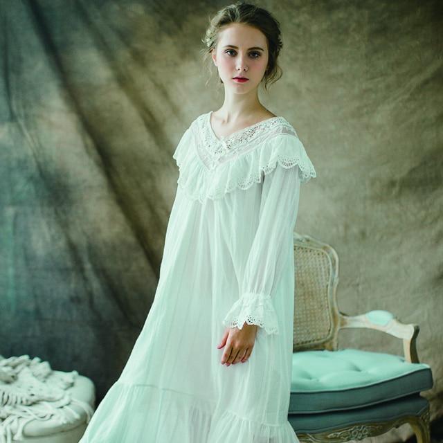 d032ba1094c Осенняя хлопковая ночная рубашка женская с длинными рукавами кружевное  украшение хлопок Ретро v-образный вырез