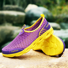 все цены на Aqua Shoes Woman Breathable Summer Beach Shoes Outdoor Walking Diving Lightweight Sports Sneakers Zapatillas Woman Quick Drying онлайн