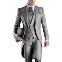 Meilleur Vente 2017 Hommes Faits Sur Commande Costumes Italien Tailcoat  Gris De Mariage Costumes Pour Hommes 439e0f69f6b