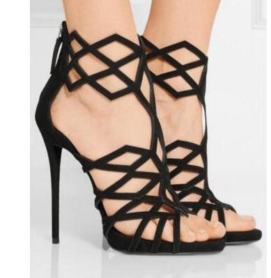 dda6cbb1734 Nueva moda negro suede recortes sandalia de tacón alto 2017 sexy peep toe tacones  finos zapatos de mujer sandalia gladiador sandalia negro marrón en ...