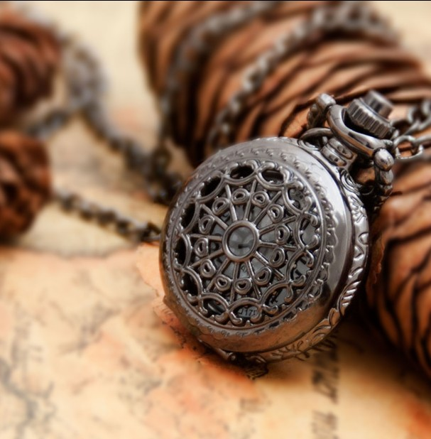 Small Size Black Spider Web Pocket Watch Necklace Antique For Xmas Gift Vintage Pocket Watch Steampunk DIAI25MM