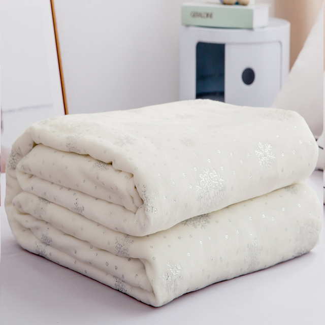 Luxury Bed Linens 230*250cm Soft Flannel Blankets For Double Bed Hot Silver King Size Bedspread Plaid Blankets On The Bed