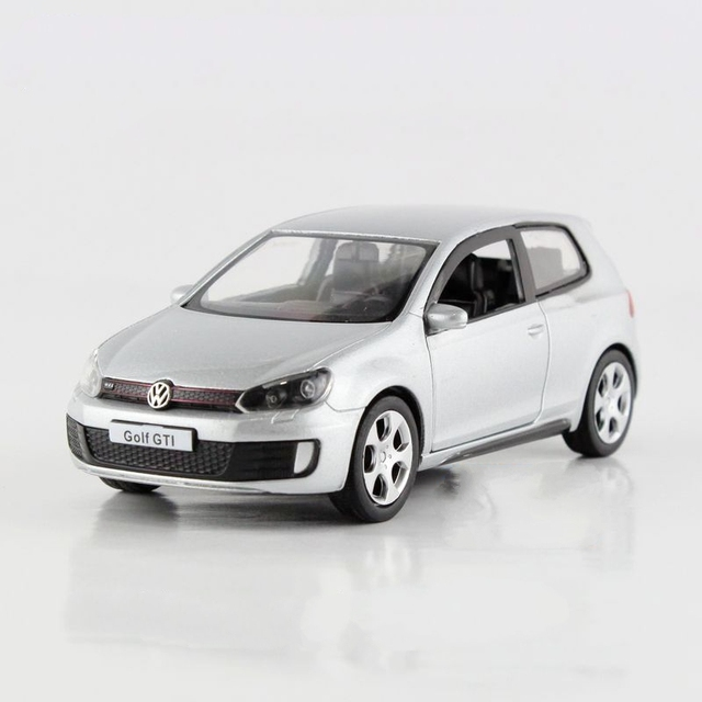 Freeshipping Children Volkswagen Golf GTI Model Car 136 5inch Diecast Metal Cars Toy Pull