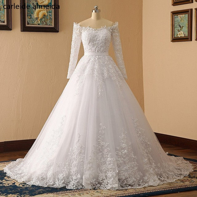 e02fd28b648 Vestido de noiva Off-the-Shoulder Ball Gown Wedding Dress 2018 Lace  Appliques Pearls Luxury Wedding Gowns with Sleeves