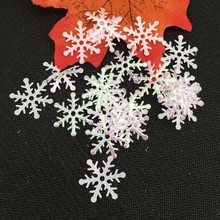 200pcs 3cm Christmas Tree Decorations Snowflakes White Plastic Artificial Snow Christmas Decorations for Home