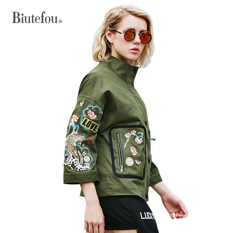 Kadın Giyim'ten Basic Ceketler'de 2019 Yeni varış çiçek nakış ince ceketler moda kadınlar standı yaka yama tasarımları üç çeyrek kollu ceketler'da  Grup 1