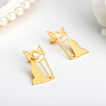 цена на Baby Kids Earrings For Women Fashion Cute Tiny Symmetry Cat Stud Earrings Gift For Women Girls Gift Animal Pendant Stud Earring