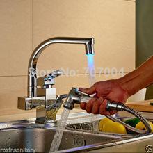 Cilalı Krom Pull Out LED Çift Borulu Mutfak Bataryası Güverte Dağı Sıcak ve Soğuk Su Mutfak Musluklar