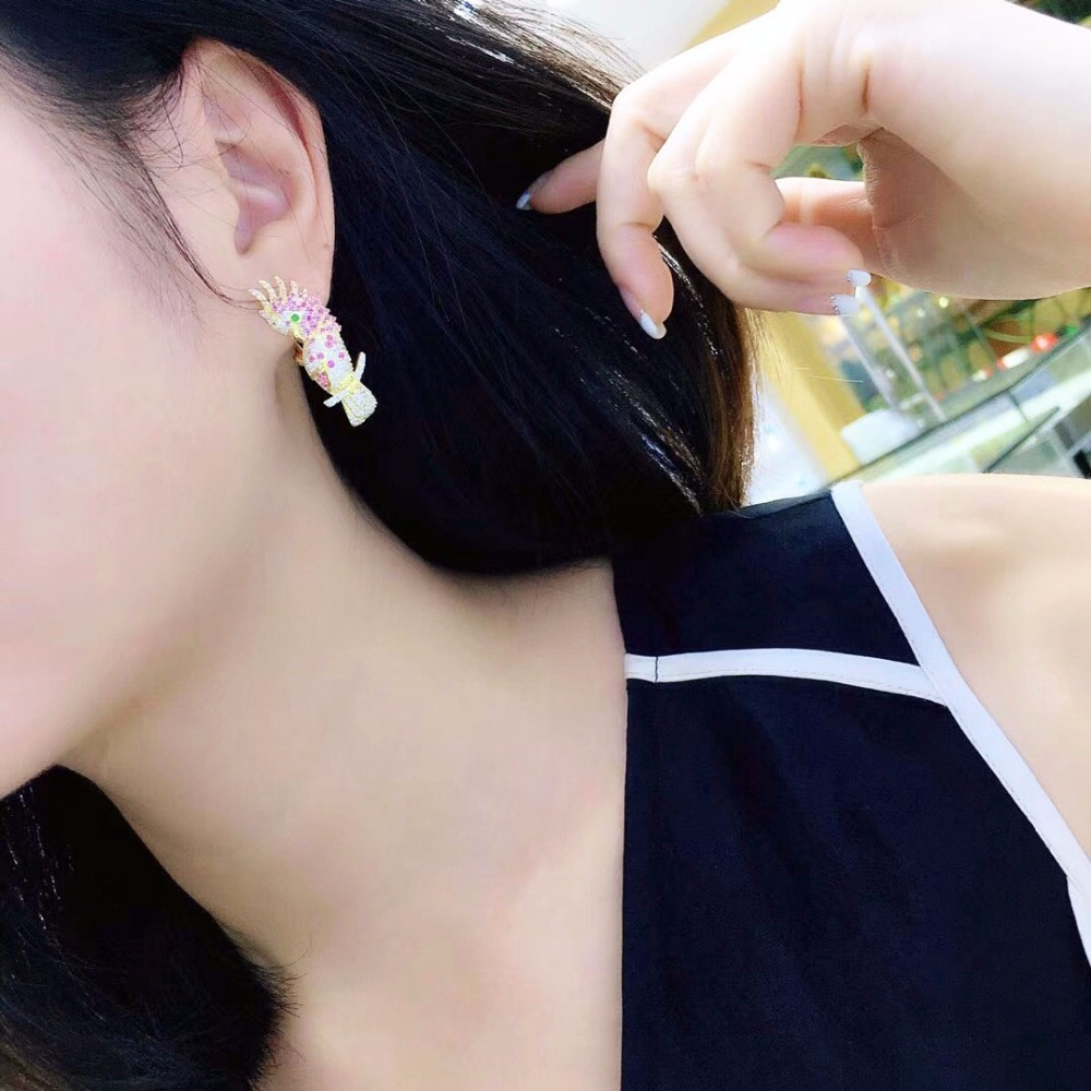 Qi Xuan_Jewelry_New Earrings Parrot Earrings S925 Silver Inlay Zircon Elegant And Irregular Irregular_Factory Direct Sales