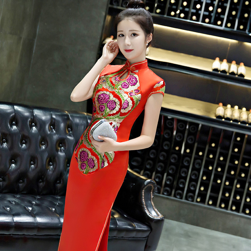 a6db9f6a1a869 Red Chinese Traditional Dress Silk Plus Size Modern Party Cheongsam  Oriental Style Dresses Robe Chinoise Femme Long Qipao YSB-in Cheongsams  from Novelty ...