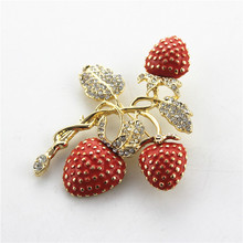 Free shipping The new strawberry rhinestone drop glaze enamel delicate high-grade brooch Jewelry Sets