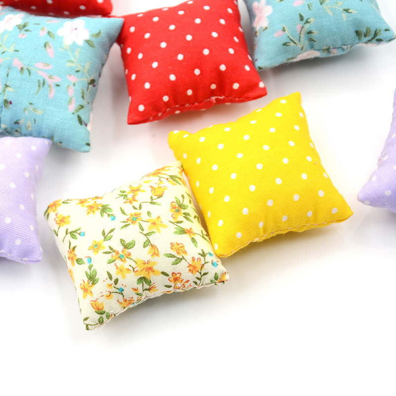 2Pcs/lot 1/12 Dollhouse Miniature Colorful Flower Pillow Cushions For Sofa Couch Bed For Doll House Accessories