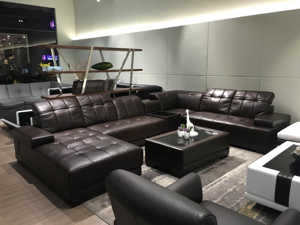 Moderno divani angolari in pelle con grande divano ad for Soggiorno moderno ad angolo