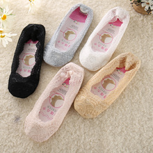 5pairs Ladies Shallow Mouth Invisible Lace Boat Socks Women 360 Silicone Anti-slip Sole Socks  Thin Invisible Socks For Female