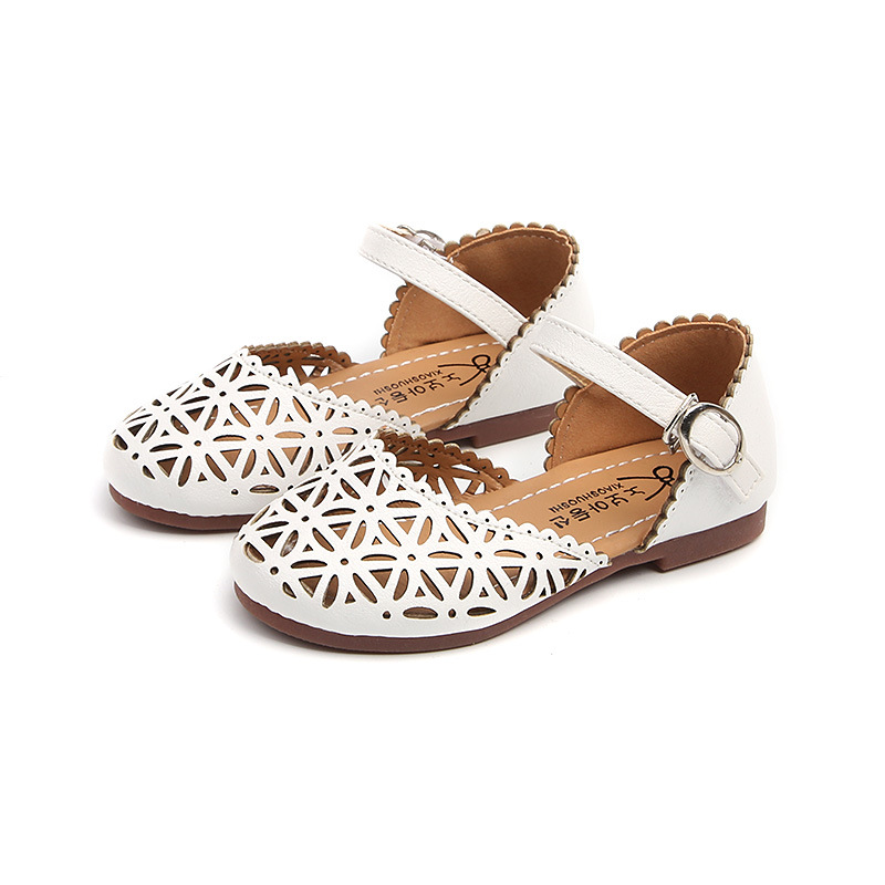 2019 new girls small leather sandals kids hollow princess shoes kids students teenage fashion sandals size 21-352019 new girls small leather sandals kids hollow princess shoes kids students teenage fashion sandals size 21-35