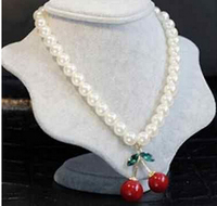 Free shipping >>@ > New Betsey cherry fruit series pendant Pearl Necklace