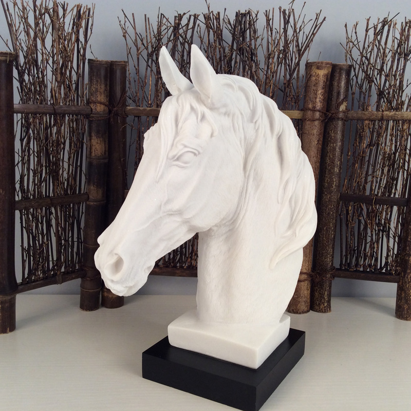 The Abstract Sculpture Figurine Ornaments White Sand Horse Head Office Home Decoration Accessories Art Resin Craft