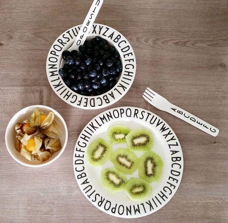 cartas de diseo moda melamina seguridad beb fedding platos nios vajilla conjunto plato de fruta knife u fork u spoon en platos de la madre y los nios en