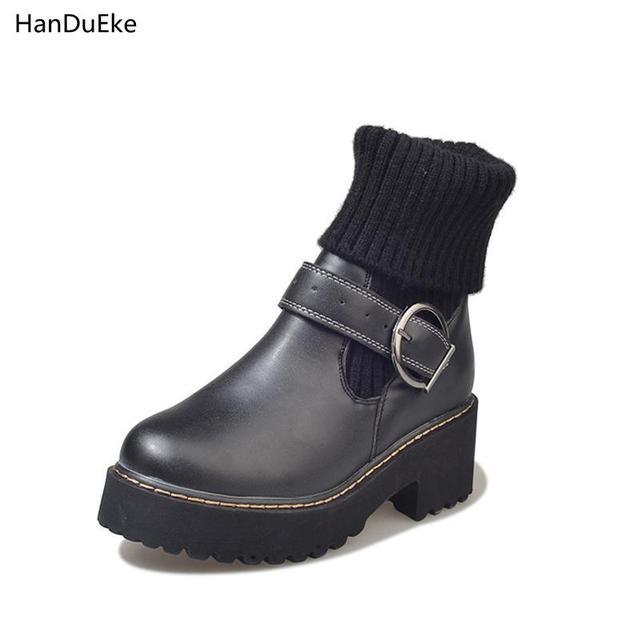 Gaya Inggris Siswa Perempuan Tinggi Atas Sepatu Bot Martin Sepatu ... b39b76c794