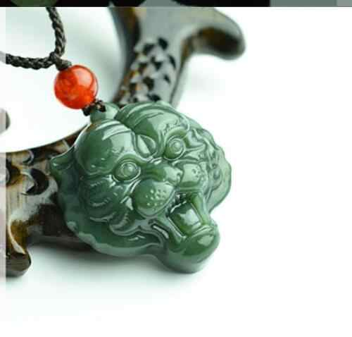 30 ミリメートル緑虎ペンダントネックレス手彫りファッションジュエリーお守りホット