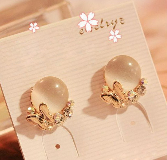 Free Shipping 2019 Fashion New Earrings Crystal Temperament Butterfly Opal Earrings Ladies Gift Wholesale Rhinestone Earings